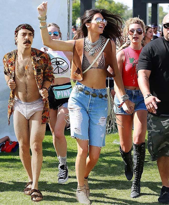 Εισβάλλει στις φωτογραφίες της Kendall Jenner με το Photoshop δίνοντας μια ξεκαρδιστική νότα (13)