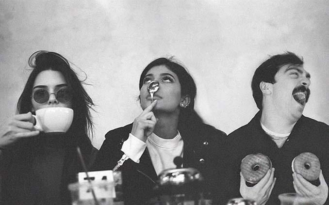Εισβάλλει στις φωτογραφίες της Kendall Jenner με το Photoshop δίνοντας μια ξεκαρδιστική νότα (14)