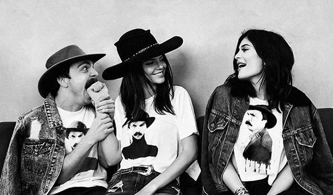 Εισβάλλει στις φωτογραφίες της Kendall Jenner με το Photoshop δίνοντας μια ξεκαρδιστική νότα (17)