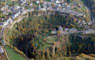 Η πόλη της Γαλλίας που έχει χτιστεί πάνω από φαράγγι (1)