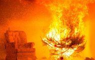 Δείτε πόσο εύκολα ένα χριστουγεννιάτικο δένδρο μπορεί να κάνει στάχτη ένα σπίτι