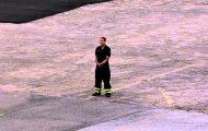 Πυροσβέστης κάνει πρόταση γάμου στην αγαπημένη του, πιλότο ελικοπτέρου