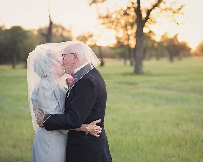 Ζευγάρι περίμενε 70 χρόνια για να κάνει τη γαμήλια φωτογράφηση του (3)