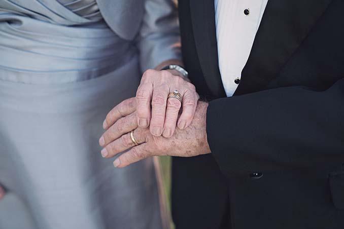 Ζευγάρι περίμενε 70 χρόνια για να κάνει τη γαμήλια φωτογράφηση του (4)