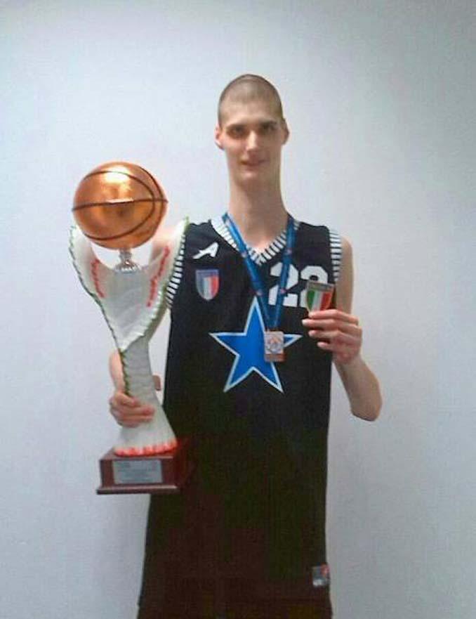Robert Bobroczky (14)