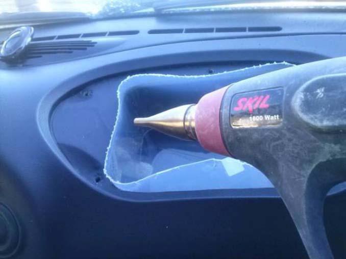 Το αυτοκίνητό του δεν είχε ντουλαπάκι οπότε αποφάσισε να αυτοσχεδιάσει... (11)