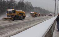 Έτσι καθαρίζουν το χιόνι στους μεγάλους αυτοκινητόδρομους της Ρωσίας