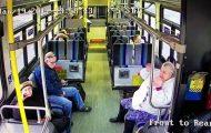 Φορτηγάκι διεμβολίζει λεωφορείο