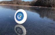 Frisbee + Άνεμος + Παγωμένη Λίμνη = Μαγεία