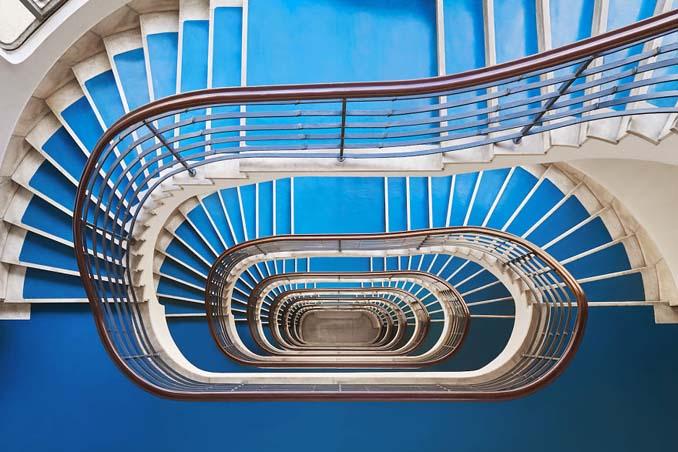 Φωτογραφίζοντας σπιράλ σκάλες σαν έργα τέχνης στη Βουδαπέστη (1)