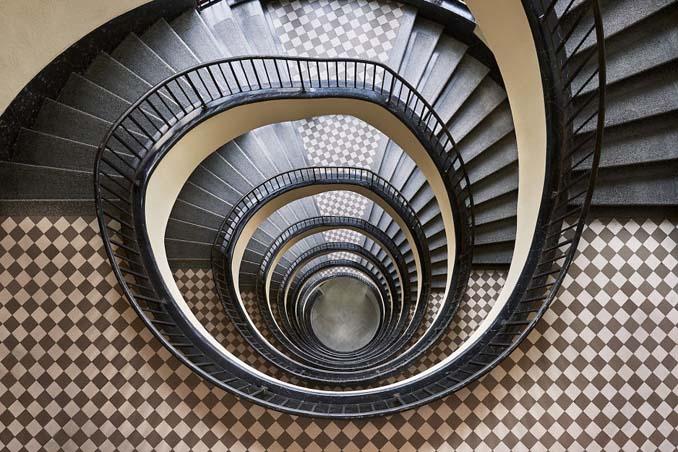 Φωτογραφίζοντας σπιράλ σκάλες σαν έργα τέχνης στη Βουδαπέστη (4)