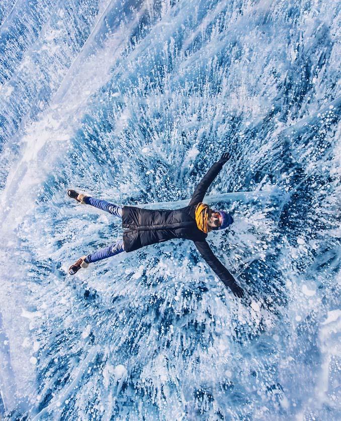 Ένας μαγευτικός περίπατος στην παγωμένη λίμνη Βαϊκάλη (12)