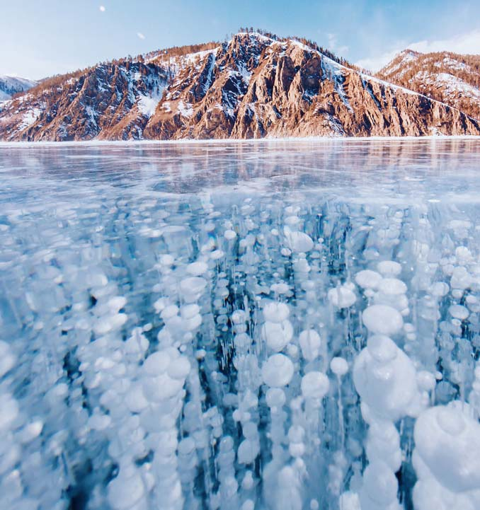 Ένας μαγευτικός περίπατος στην παγωμένη λίμνη Βαϊκάλη (15)