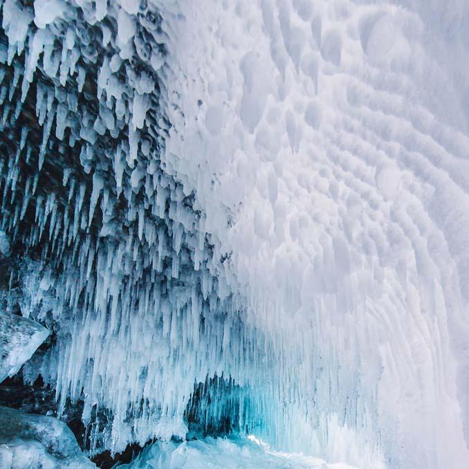 Ένας μαγευτικός περίπατος στην παγωμένη λίμνη Βαϊκάλη (16)