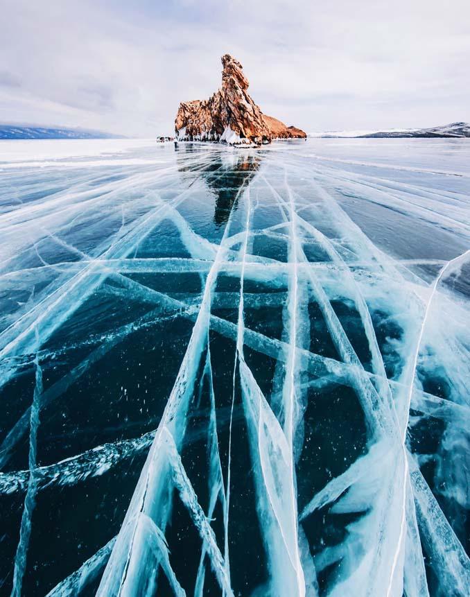Ένας μαγευτικός περίπατος στην παγωμένη λίμνη Βαϊκάλη (20)