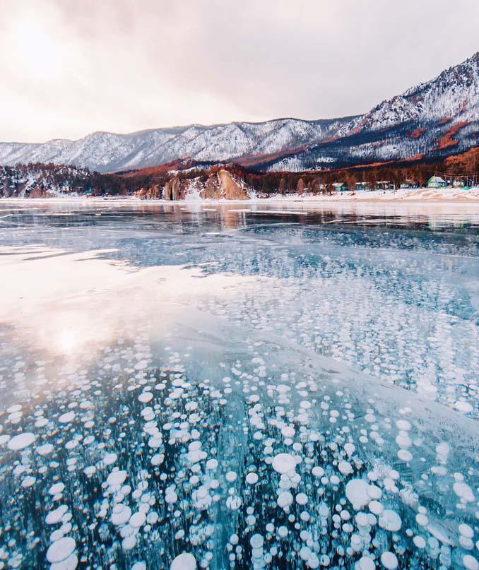 Ένας μαγευτικός περίπατος στην παγωμένη λίμνη Βαϊκάλη (22)