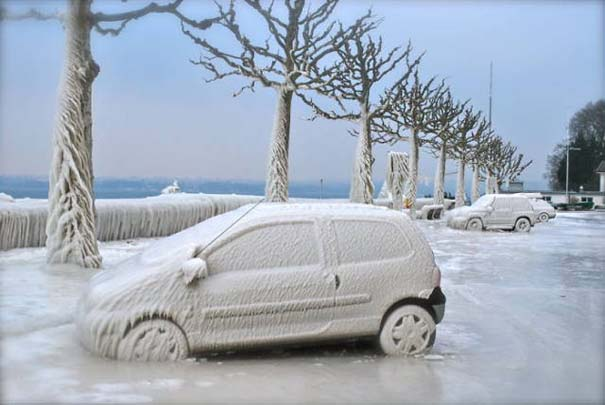 Όταν ο πάγος δημιουργεί απίστευτη τέχνη πάνω σε αυτοκίνητα (4)