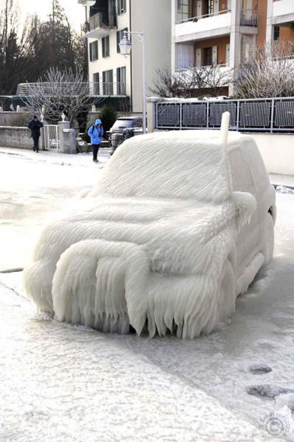 Όταν ο πάγος δημιουργεί απίστευτη τέχνη πάνω σε αυτοκίνητα (9)