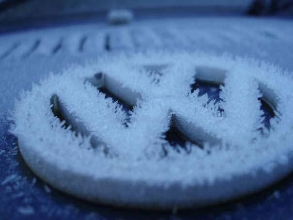 Όταν ο πάγος δημιουργεί απίστευτη τέχνη πάνω σε αυτοκίνητα (18)