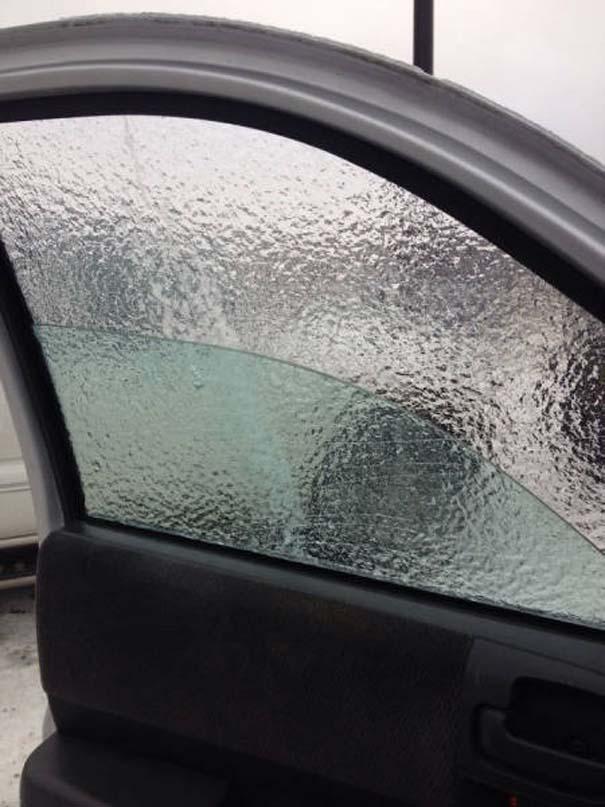 Όταν ο πάγος δημιουργεί απίστευτη τέχνη πάνω σε αυτοκίνητα (24)