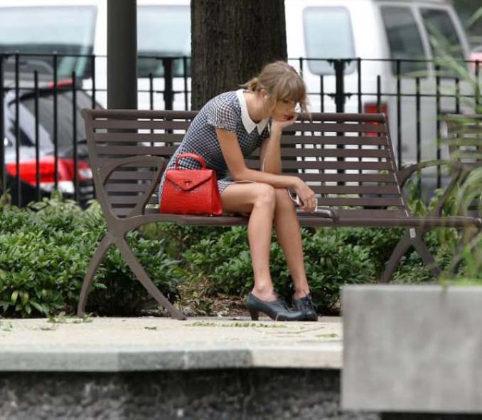 Η Taylor Swift έπεσε για μια ακόμη φορά στα χέρια Photoshop Trolls (1)
