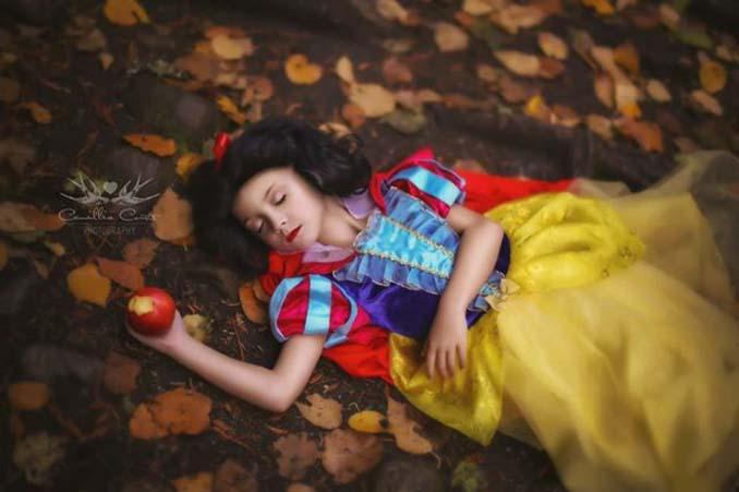 7χρονη με τη μητέρα της μεταμφιέζονται σε χαρακτήρες της Disney (10)
