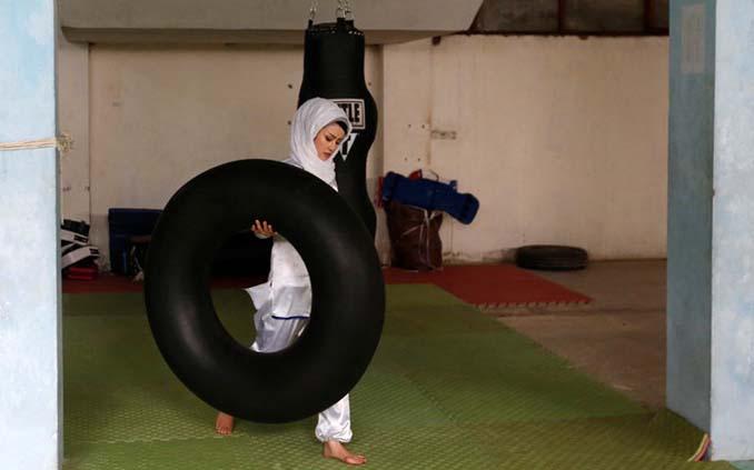 Οι ατρόμητες γυναίκες με τα σπαθιά από το Αφγανιστάν (10)