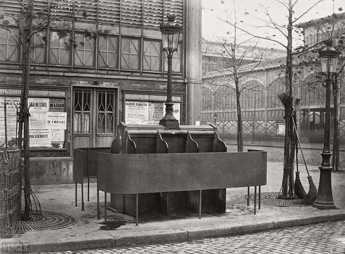 Τα δημόσια ουρητήρια του Παρισιού σε φωτογραφίες του 1860 (3)