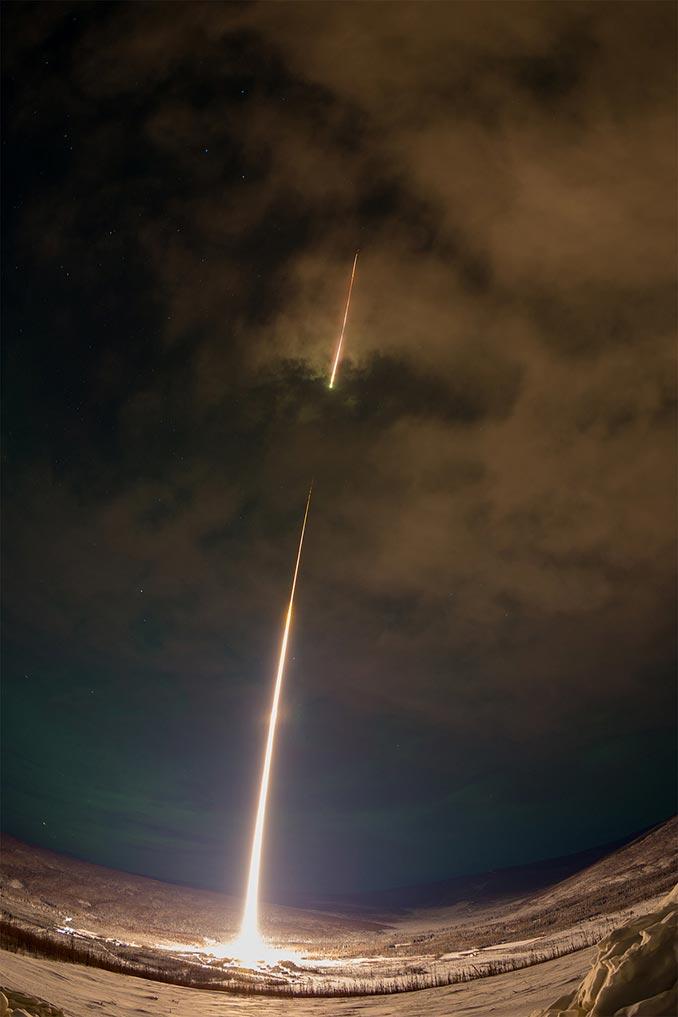 Η εντυπωσιακή στιγμή της εκτόξευσης ενός πυραύλου της NASA πάνω από την Αλάσκα | Φωτογραφία της ημέρας