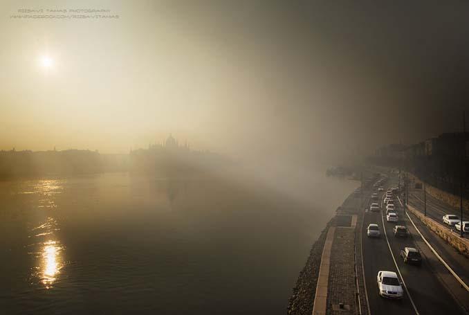 Φωτογράφος αφιέρωσε τέσσερα χρόνια απαθανατίζοντας τη Βουδαπέστη στην ομίχλη (2)