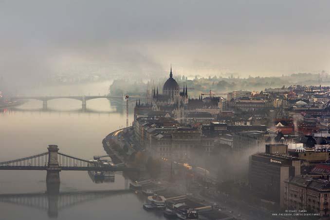 Φωτογράφος αφιέρωσε τέσσερα χρόνια απαθανατίζοντας τη Βουδαπέστη στην ομίχλη (11)