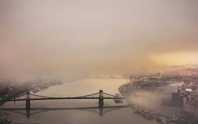 Φωτογράφος αφιέρωσε τέσσερα χρόνια απαθανατίζοντας τη Βουδαπέστη στην ομίχλη (12)