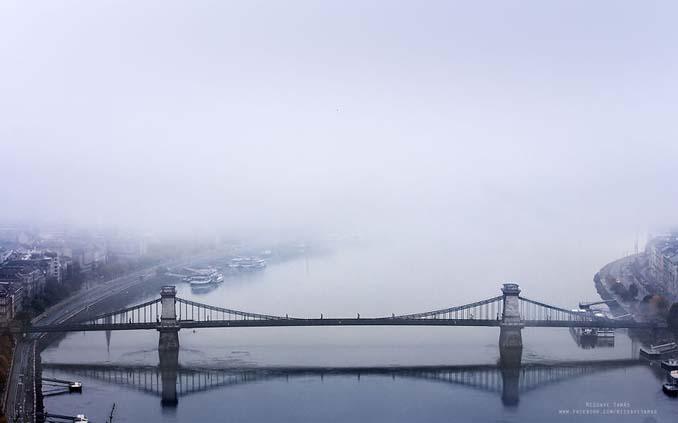 Φωτογράφος αφιέρωσε τέσσερα χρόνια απαθανατίζοντας τη Βουδαπέστη στην ομίχλη (13)