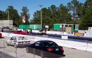Αγώνας ταχύτητας: Corvette vs Golf Cart