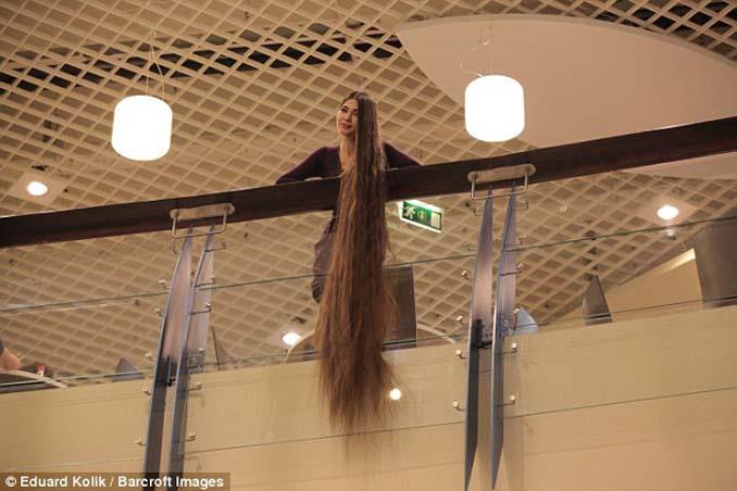 Η αληθινή Ραπουνζέλ που έχει μήκος μαλλιών 2,2 μέτρα (6)