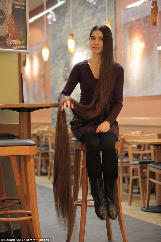 Η αληθινή Ραπουνζέλ που έχει μήκος μαλλιών 2,2 μέτρα (7)