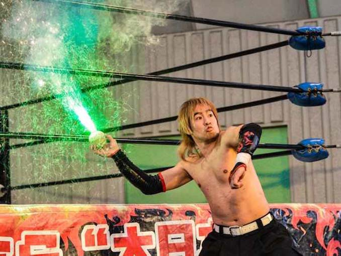 Κωμικοτραγικά στιγμιότυπα από τον θεότρελο κόσμο της πάλης στην Ιαπωνία (5)