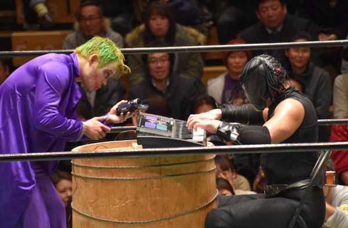 Κωμικοτραγικά στιγμιότυπα από τον θεότρελο κόσμο της πάλης στην Ιαπωνία (18)
