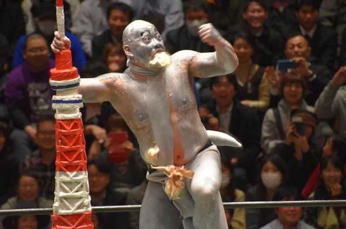 Κωμικοτραγικά στιγμιότυπα από τον θεότρελο κόσμο της πάλης στην Ιαπωνία (19)