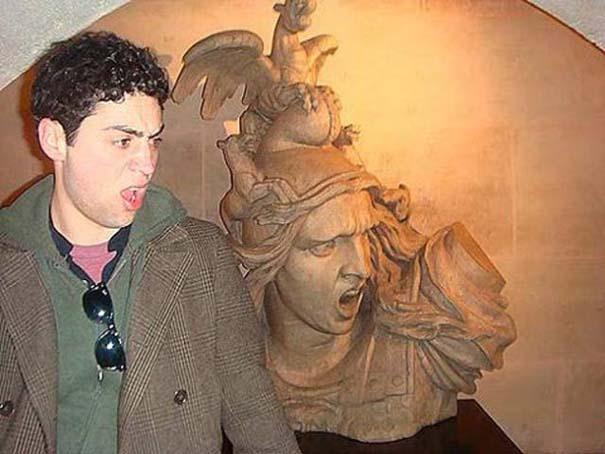Ποζάροντας με αγάλματα #21 (8)