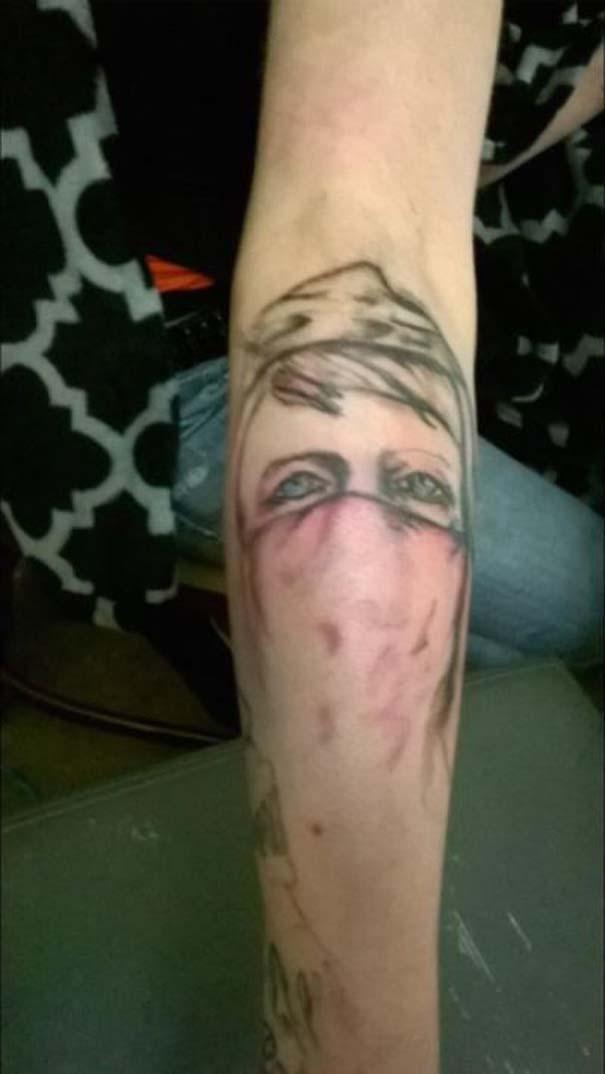 Τραγικά τατουάζ που καταργούν κάθε λογική (14)