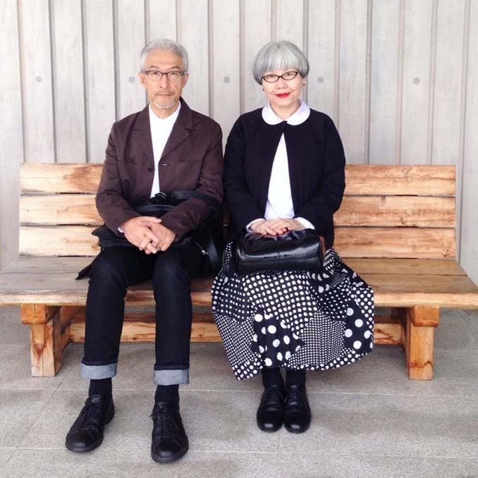 Ζευγάρι φοράει ταιριαστά ρούχα μετά από 37 χρόνια γάμου (2)