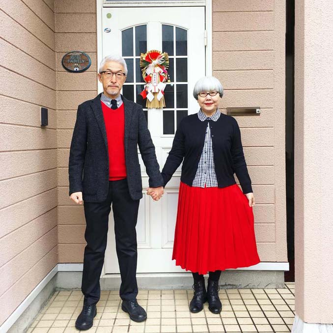 Ζευγάρι φοράει ταιριαστά ρούχα μετά από 37 χρόνια γάμου (11)
