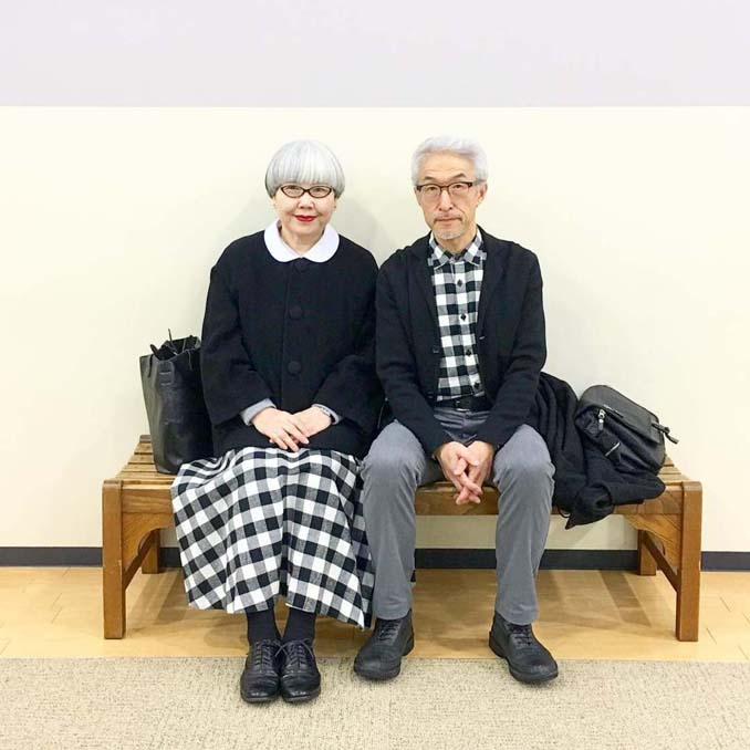 Ζευγάρι φοράει ταιριαστά ρούχα μετά από 37 χρόνια γάμου (14)