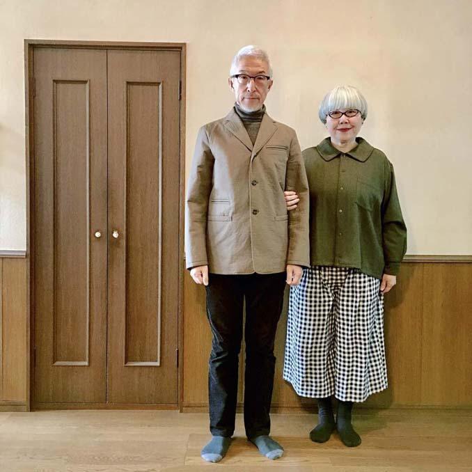 Ζευγάρι φοράει ταιριαστά ρούχα μετά από 37 χρόνια γάμου (16)