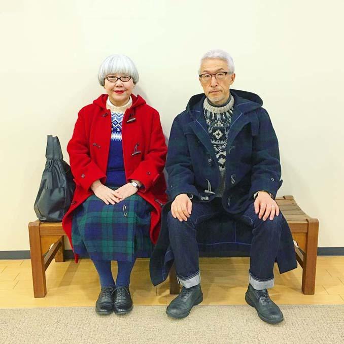Ζευγάρι φοράει ταιριαστά ρούχα μετά από 37 χρόνια γάμου (19)