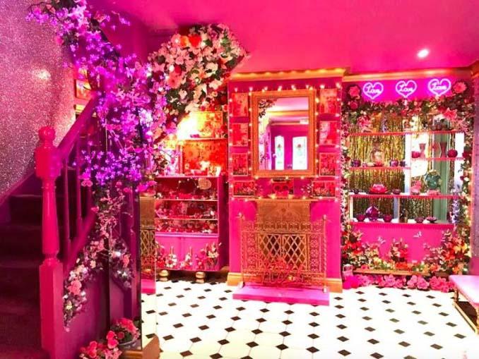 Οι ιδιοκτήτες αυτού του σπιτιού μάλλον έχουν τρέλα με το ροζ (2)
