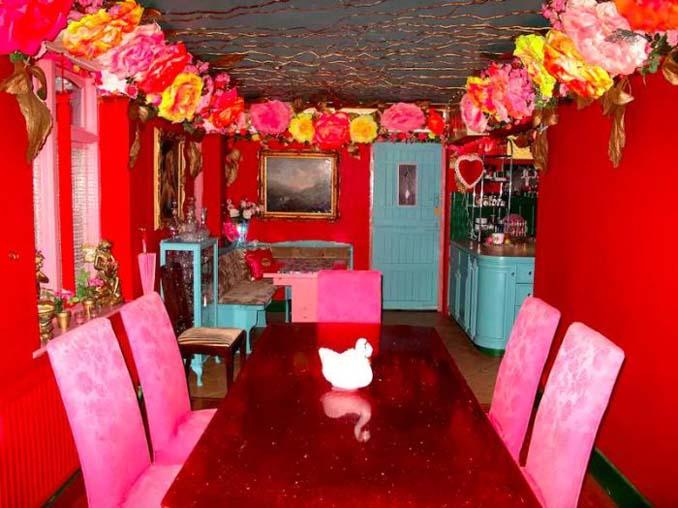 Οι ιδιοκτήτες αυτού του σπιτιού μάλλον έχουν τρέλα με το ροζ (5)