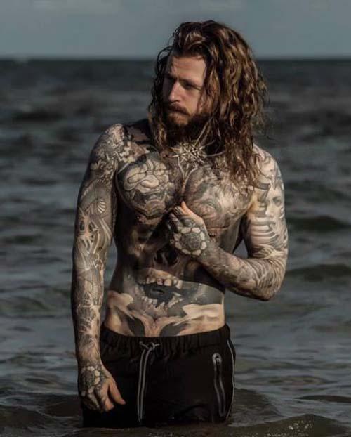 Κάλυψε τα σημάδια του αδυνατίσματος με τατουάζ (10)