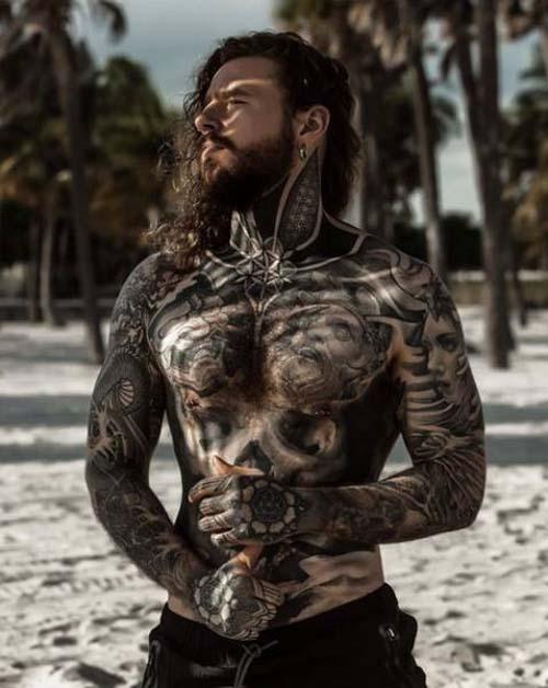 Κάλυψε τα σημάδια του αδυνατίσματος με τατουάζ (11)